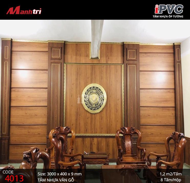 iPVC vân gỗ 4013 với màu sắc, vân gỗ sống động hoàn toàn phù hợp với không gian nội thất cổ điển, sang trọng.