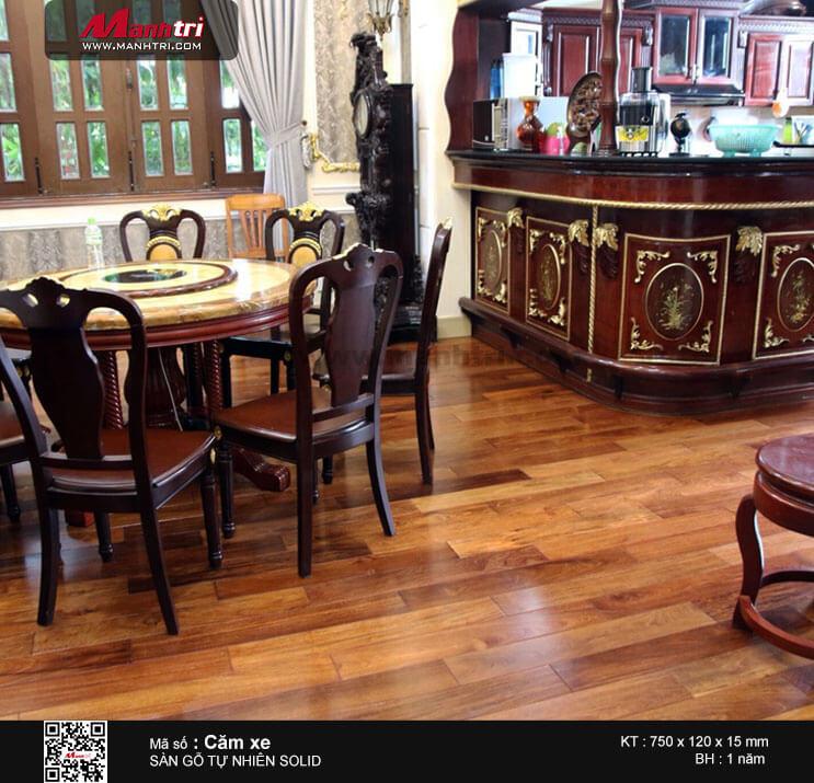 Một trong những công trình sàn gỗ Căm Xe được Mạnh Trí thi công hoàn thiện.
