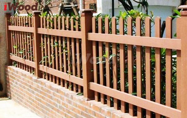 Sang trọng, tinh tế là những gì mà gỗ nhựa hàng rào mang lại.