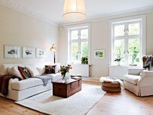Phòng khách với màu trắng làm chủ đạo nhìn rất đơn giản