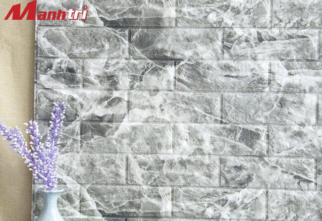 Xốp dán tường giả đá tinh tế và chân thật.