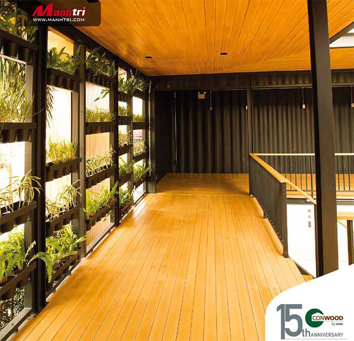 Conwood với tính năng không thấm nước, đảm bảo độ bền cho bề mặt sàn nhà.