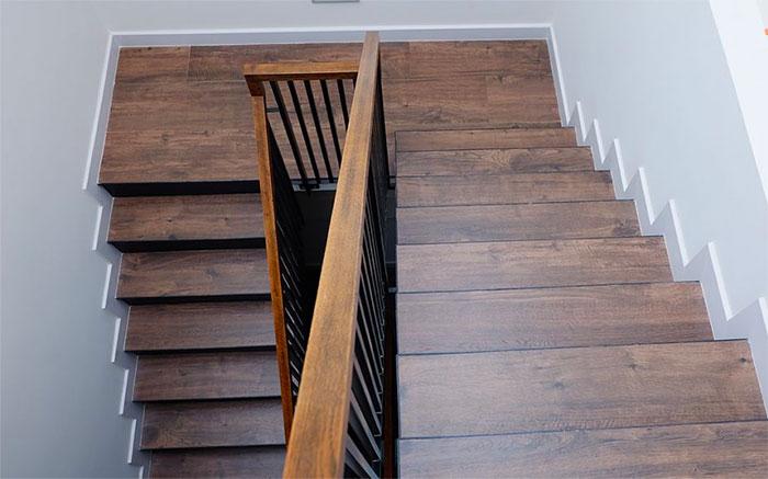Hình ảnh ốp bậc cầu thang gỗ công nghiệp SmartWood
