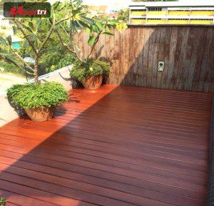 Tấm xi măng giả gỗ - Vật liệu chuyên dụng cao cấp ngoài trời
